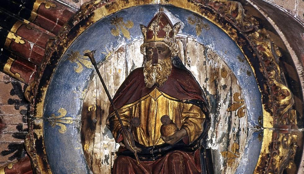 Clave de bóveda con la imagen de San Carlomagno de la catedral de Girona.