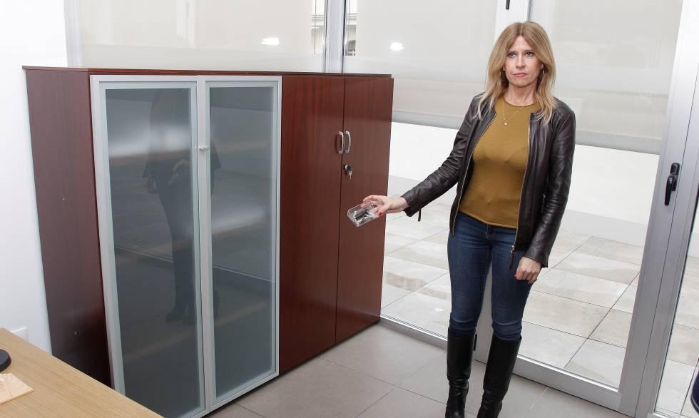 Hallan un dispositivo de grabaci n oculto en la concejal a for Recogida muebles ayuntamiento valencia
