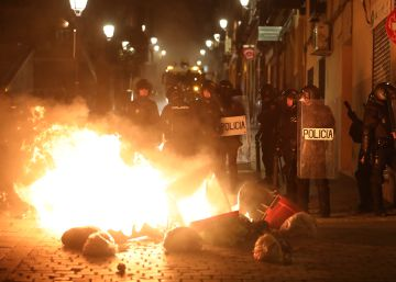 Death of African street vendor sparks clashes with police in Madrid