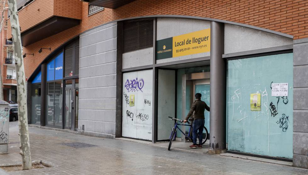 Vivir en un local comercial para esquivar el precio de la vivienda catalu a el pa s - Precio proyecto vivienda ...