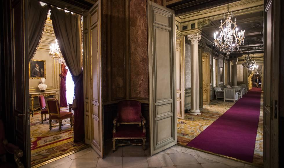 Recibidor que da acceso a la zona noble del palacio.