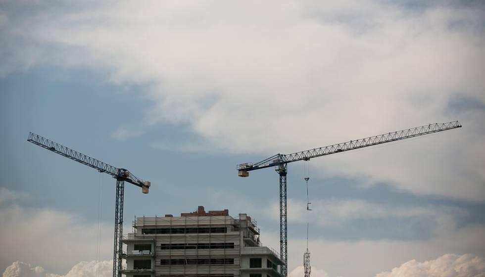 La construcción de vivienda nueva se desploma en Barcelona un 55% |  Cataluña | EL PAÍS