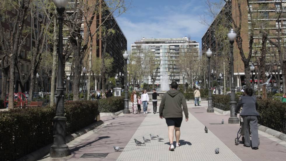 El almirante facha que se qued sin calle en barcelona for Calle jardines madrid