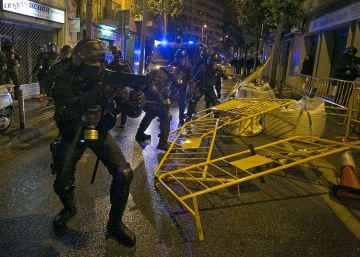 Absolen set mossos acusats d'agredir manifestants a Can Vies