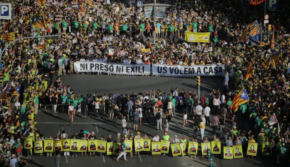 Protesta en Barcelona por la excarcelación de los políticos presos.