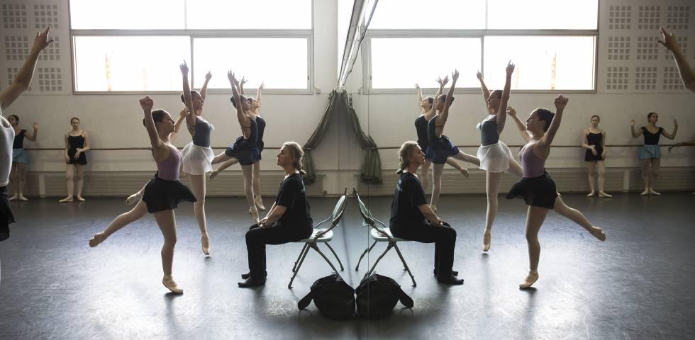 2b3782d0a Ensayos de bailarines en el Institut del Teatre de cara al IBStage que se  realiza en