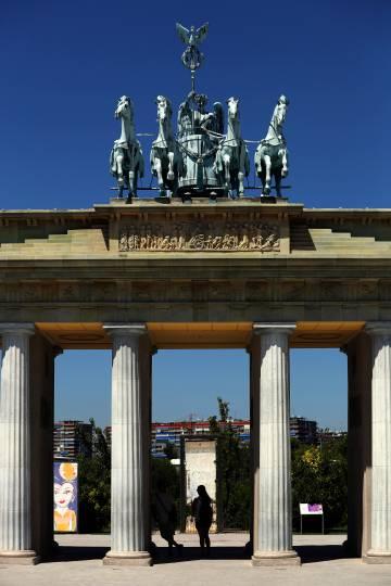 Réplica de la puerta de Brandeburgo en el Parque Europa de Torrejón.