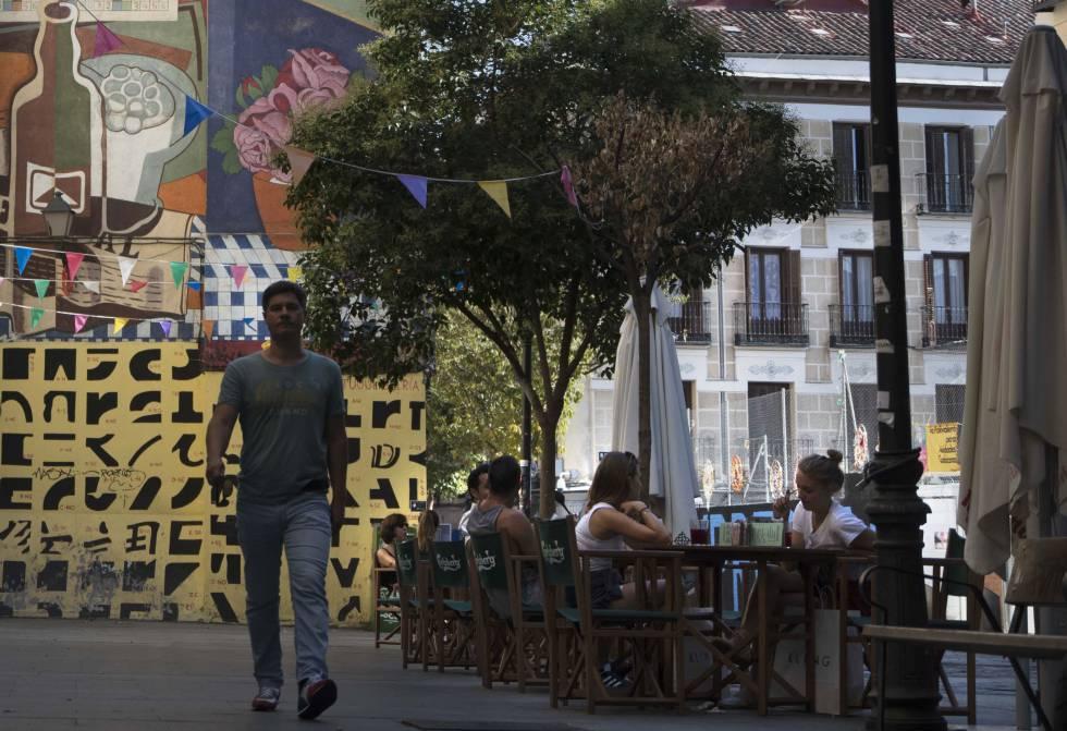Luces Y Sombras En Lavapies Madrid El Pais