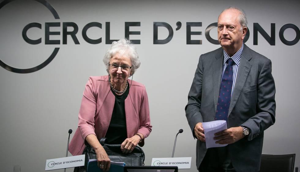 Soledad Gallego-Díaz y el presidente del Círculo de Economía, Juan José Brugera.