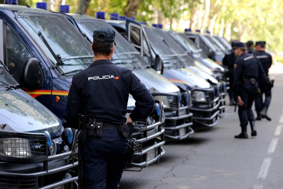Policía Nacional en un dispositivo de seguridad en Madrid