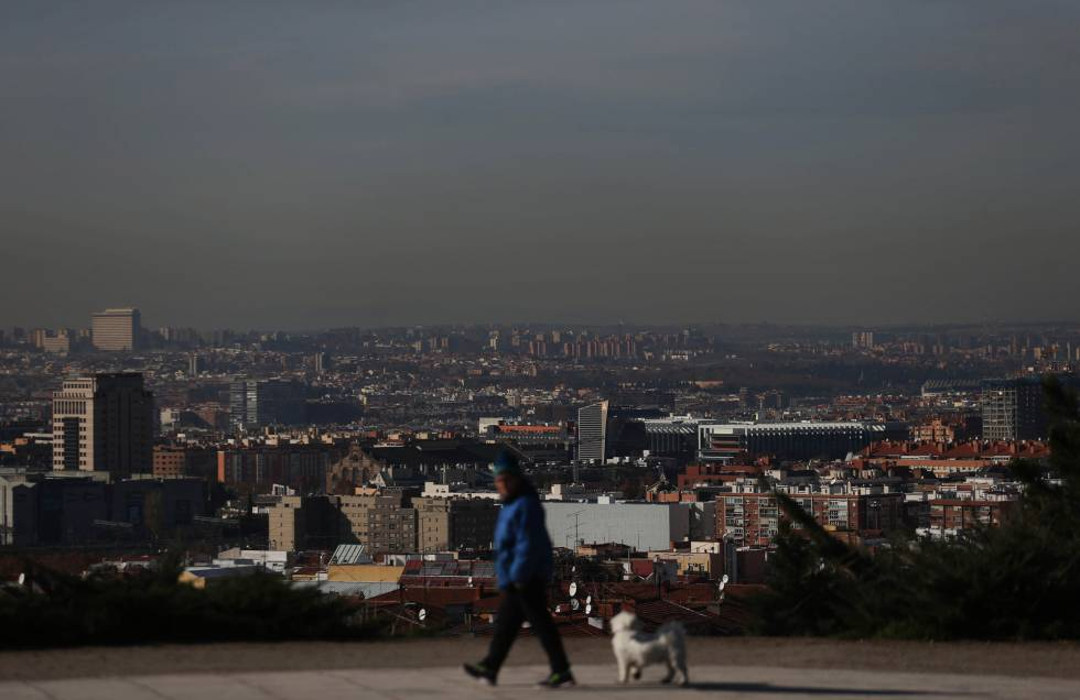 Madrid City Hall Bans Older More Polluting Cars From Center