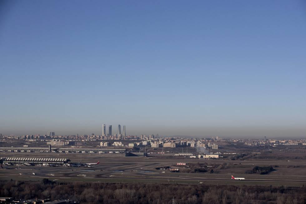 La boina de contaminación de Madrid vista desde Paracuellos del Jarama. 65c330c1cd1