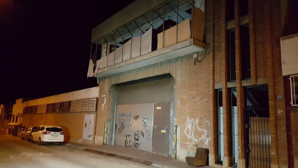 La nave industrial de Sabadell donde supuestamente se produjo la violación.