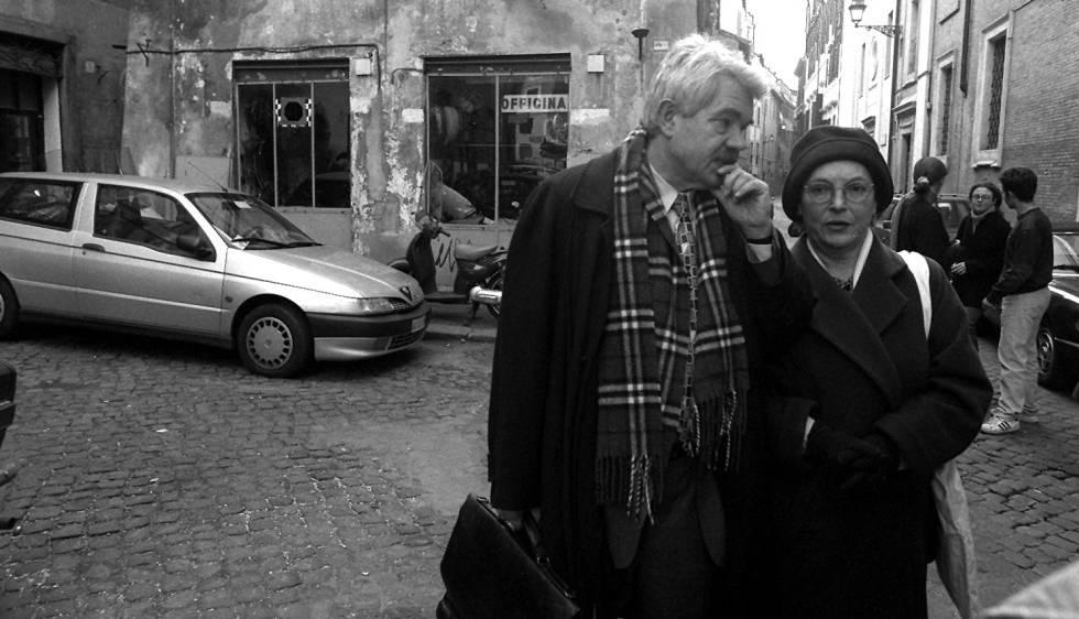Pasqual Maragall y Diana Garrigosa, en Roma, en diciembre de 1997.