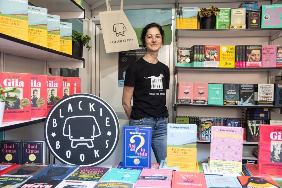 Adara Sánchez, en la caseta de Blackie Books.