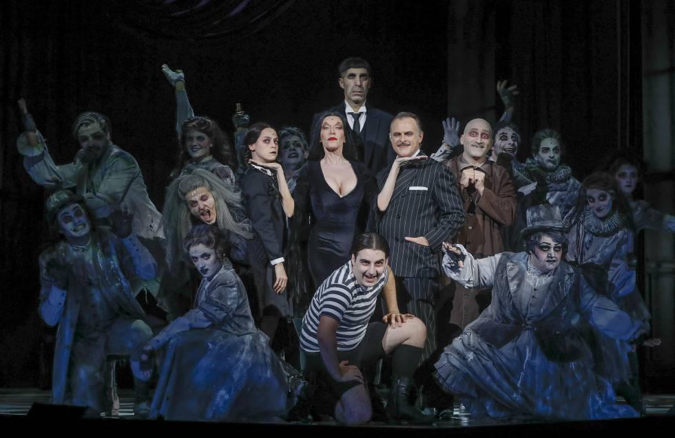 El elenco de La familia Addams.