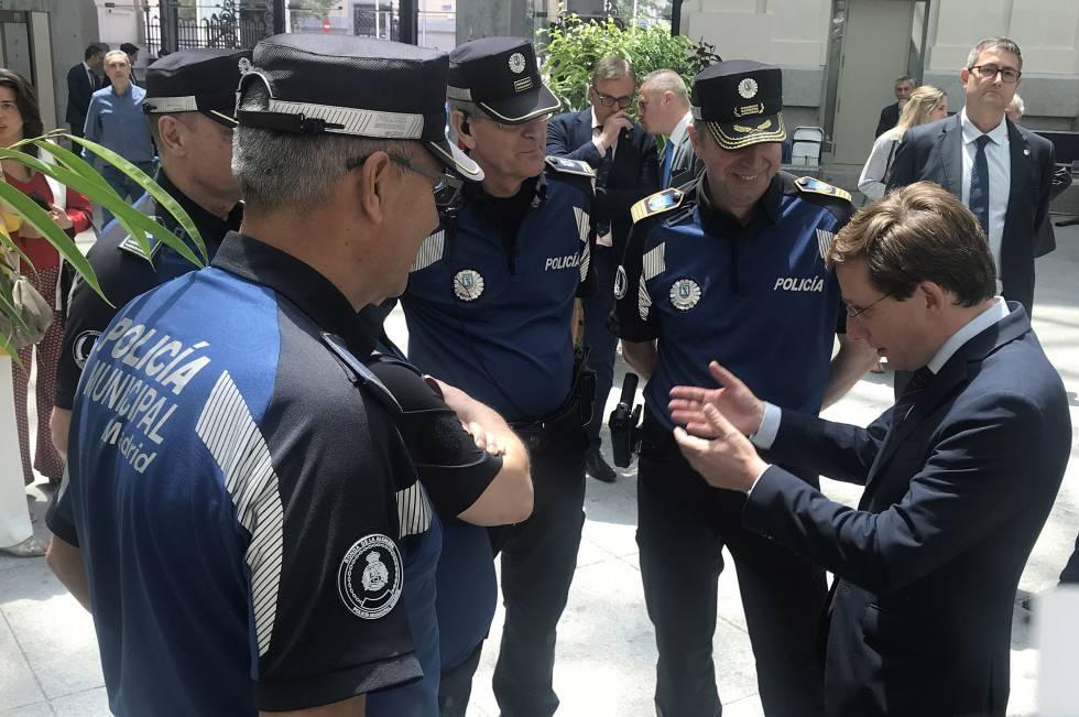 Primera medida de Almeida: los actos del patrón de la Policía Municipal vuelven al Retiro