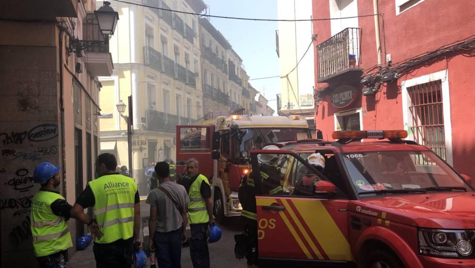 Incendio de un edificio en el barrio Lavapiés de Madrid.