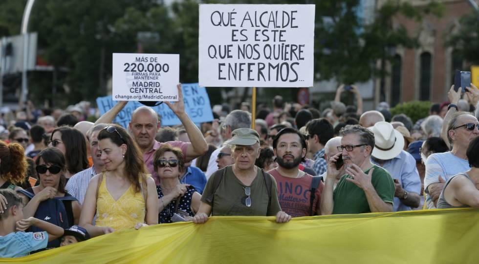 Participantes en la manifestación del sábado en defensa de Madrid Central.