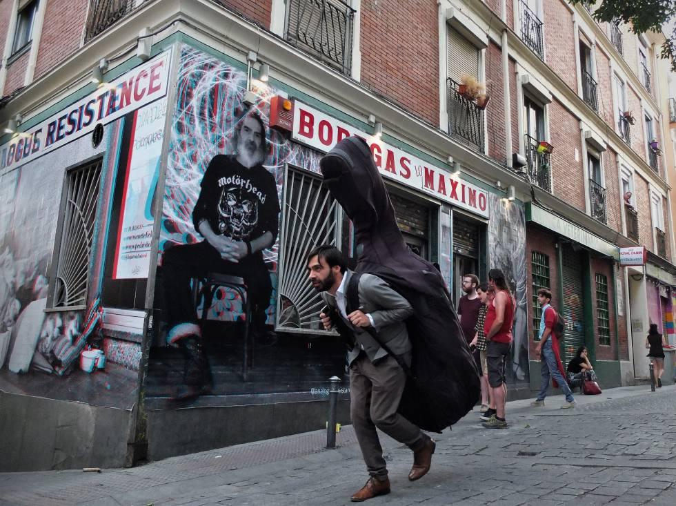 La entrada de Bodegas Lo Máximo el pasado domingo, en Madrid