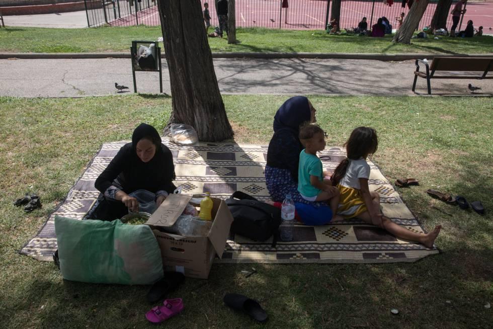 Refugiados Sirios en el Parque Salvador de Madariaga, Madrid