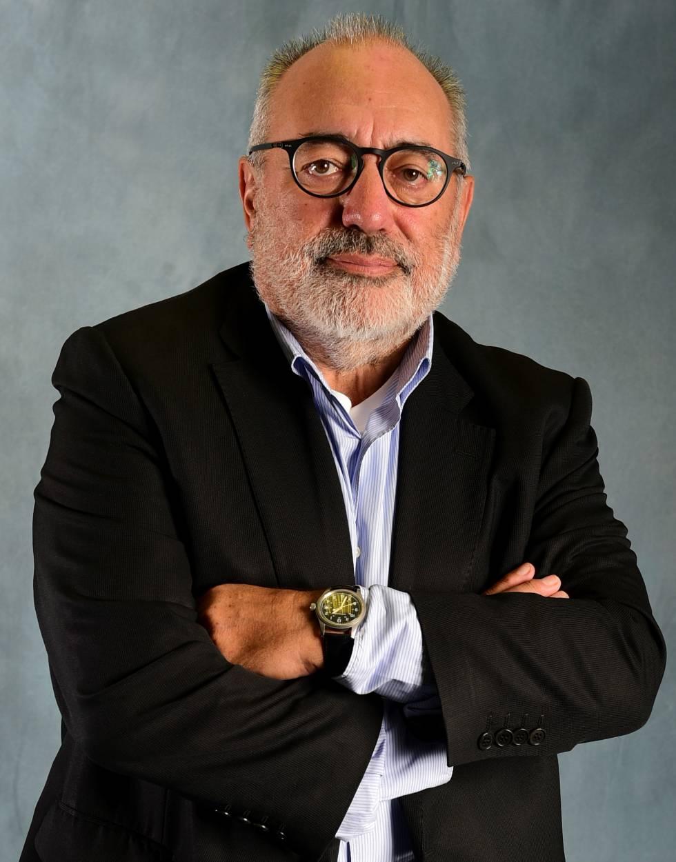 Muere Carlos Pérez de Rozas, diseñador de periódicos, colega desbordante en amistad