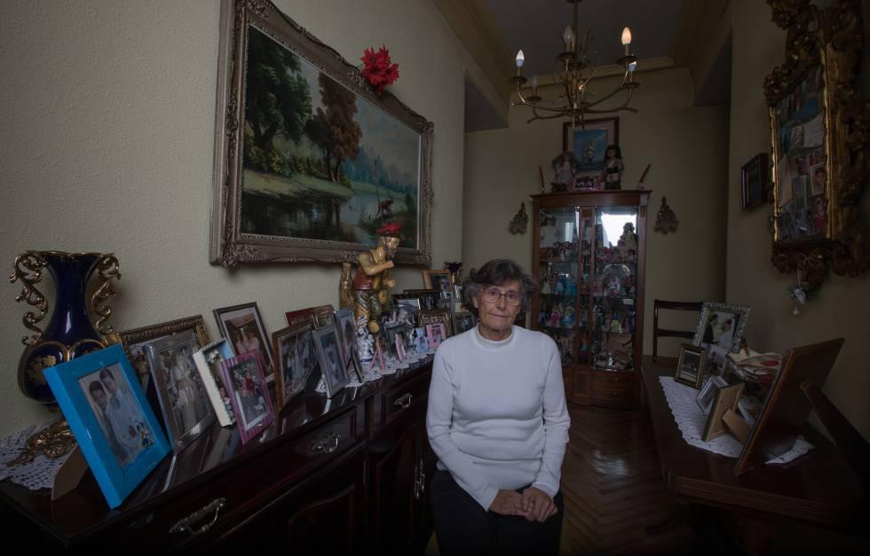 La vecina Maria Isabel Martinez, de 75 años, nació en una de las casas de Fusara.