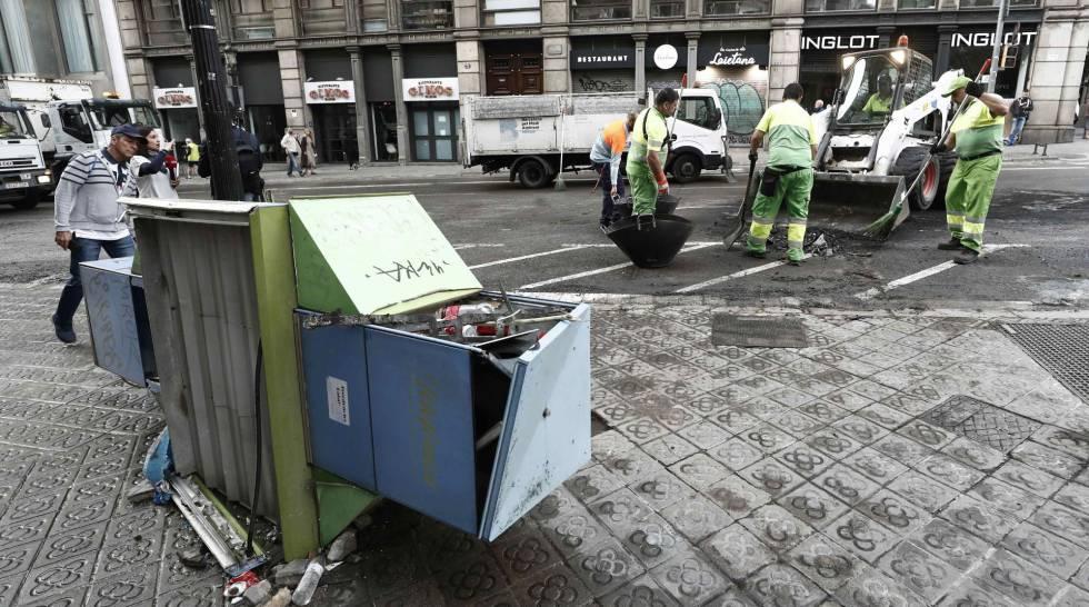 fotos de diseño de entrada de asfalto El Balance Final De Los Disturbios 1044 Contenedores 57