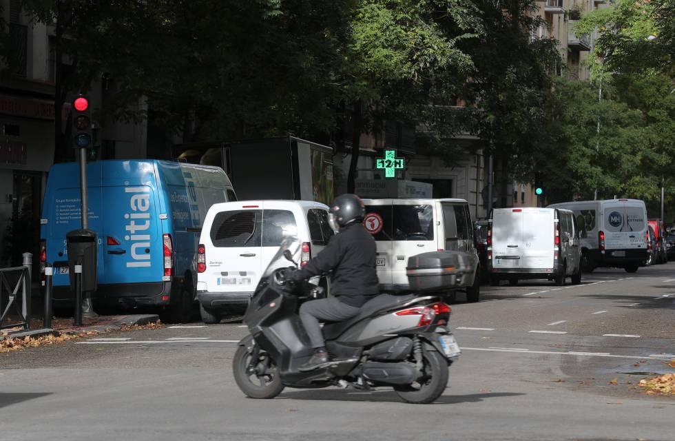 """El efecto Amazon en Madrid: la ciudad se """"colapsará"""" si no se cambia el modelo de reparto de paquetes"""