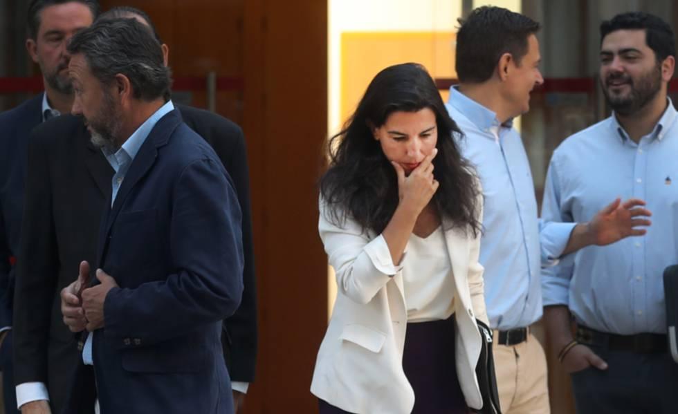 Rocío Monasterio, diputada de Vox, en el pleno de la Asamblea de Madrid. rn