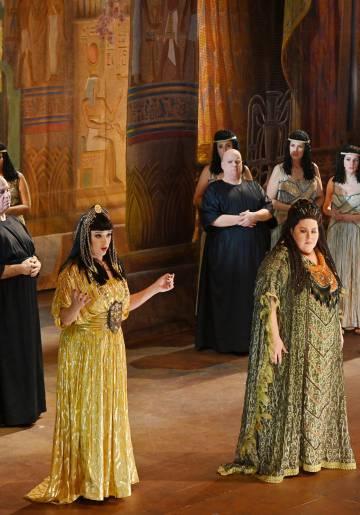 Las dos protagonistas femeninas de la ópera.