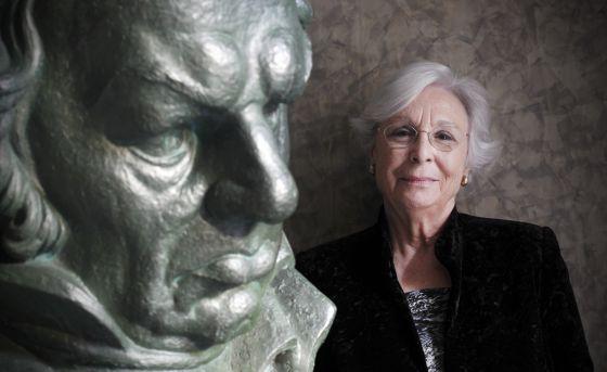 Josefina Molina recibirá esta noche el Goya honorífico de la Academia.