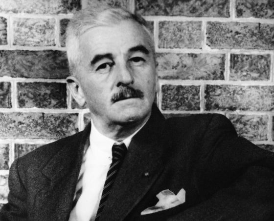 El escritor William Faulkner.