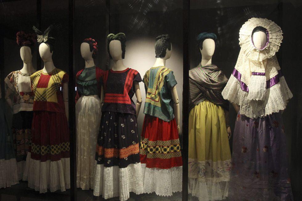 Fotos Los Vestidos De Frida Kahlo Cultura El País