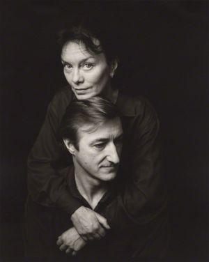 Julian Barnes y su mujer, Pat Kavanagh, fotografiados en 1991 por Jillian Edelstein. National Portrait Gallery.