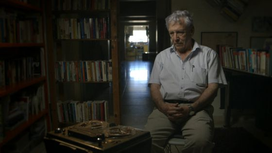El escritor Amos Oz, en el documental 'Censored voices'.