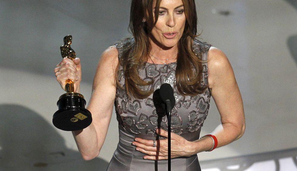A diretora Kathryn Bigelow, durante a 82ª edição do Oscar (2010) depois de ganhar a estatueta de melhor direção.