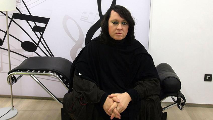 A cantora Anohni/ Vídeo: A canção indicada ao Oscar, 'Manta Ray'