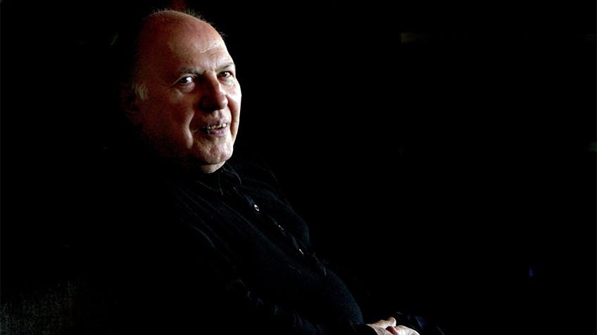 O prêmio Nobel de Literatura húngaro Imre Kertész em um hotel de Barcelona (Espanha) em 2007.