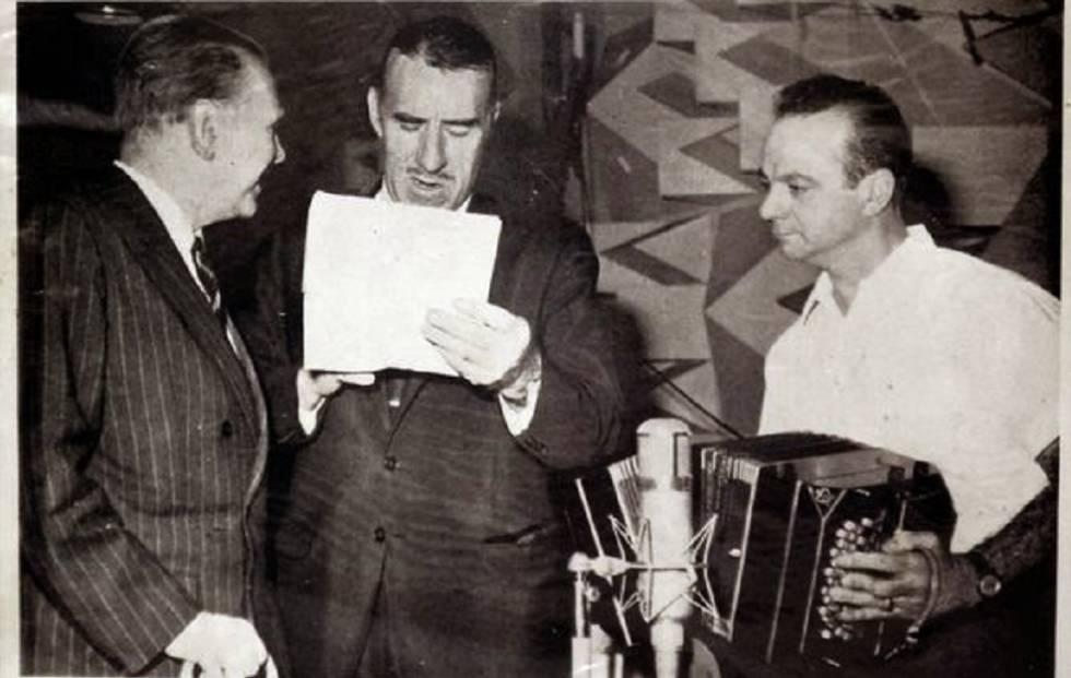 Portada del disco 'El tango', con letras de Borges y música de Piazzolla. Canta Edmundo Rivero (centro).