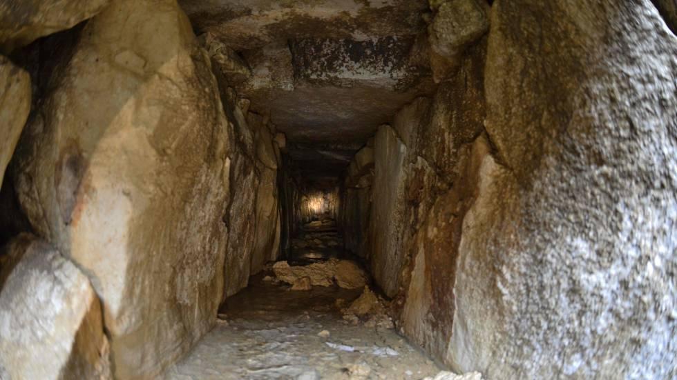 La entrada de uno de los canales de agua descubiertos en Palenque.