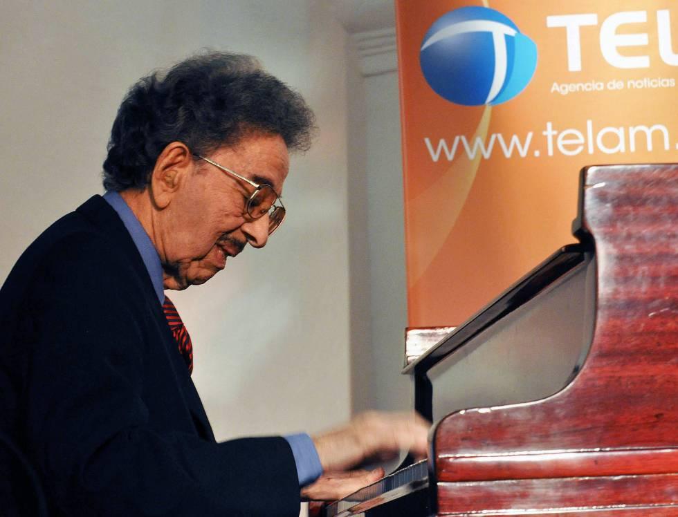 Un idilio centenario: el de Horacio Salgán y el piano.