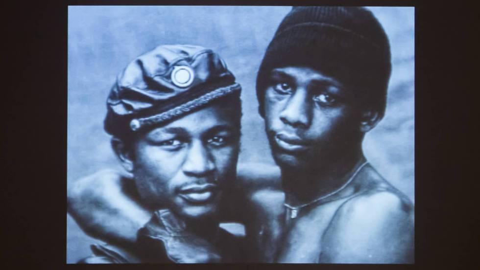 Exibição de arte sobre o HIV no MoMA Bronx, em Nova York.
