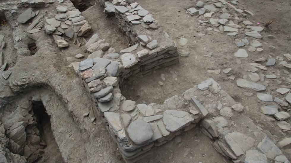 Restos de la mezquita rural hallada en Pago del Jarafí.