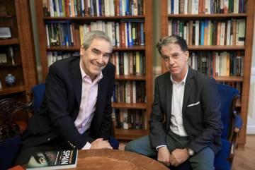 Michael Ignatieff (izquierda) y Julián Casanova, durante la charla.