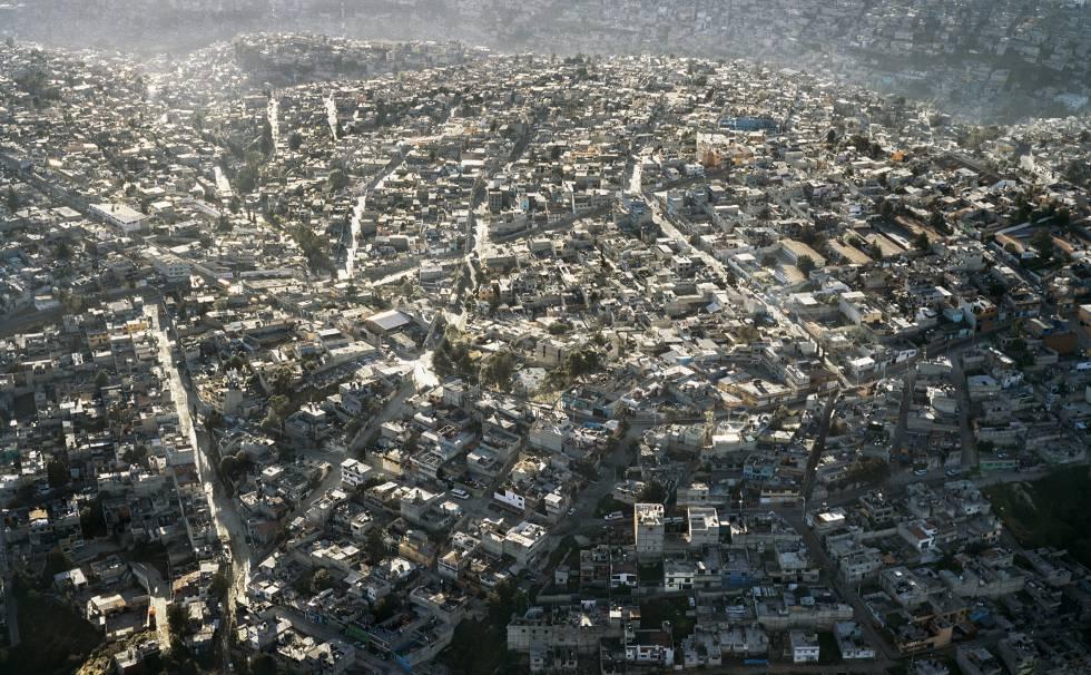 Vista aérea de la periferia de la Ciudad de México.
