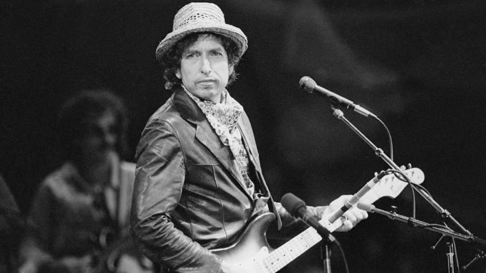 O cantautor Bob Dylan durante um concerto em Basilea, em 1984.