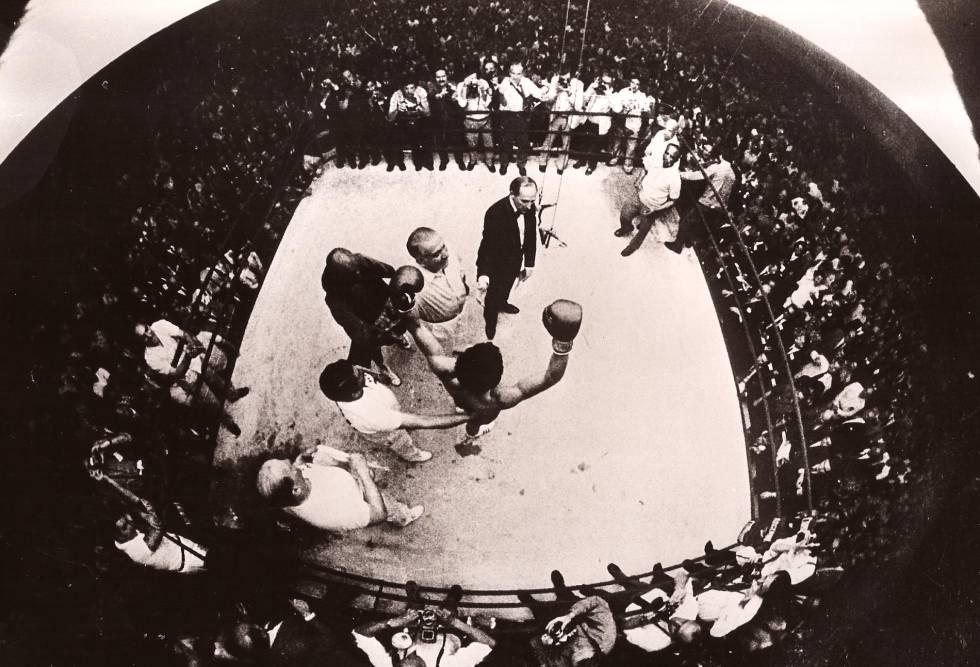 Carlos Monzón defiende en el Luna Park su título de campeón del mundo ante Emile Griffith, el 25 de septiembre de 1971.