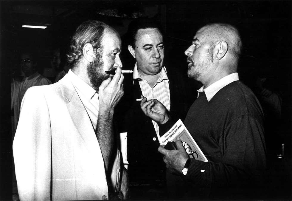 De izquierda a derecha, José Manuel Caballero Bonald, Claudio Rodríguez y Jaime Gil de Biedma.