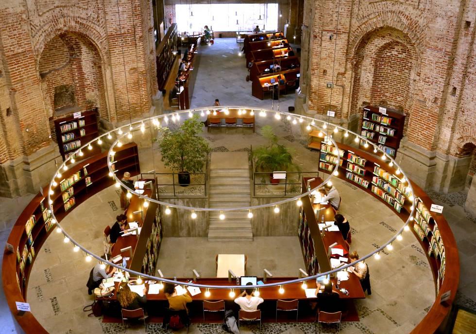 Bibliotecas para no callar cultura el pa s for Biblioteca de la uned madrid